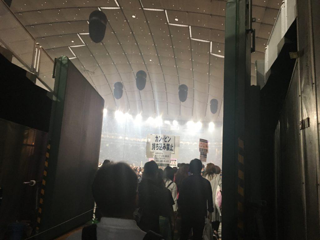 安室奈美恵 Finaly 東京ドーム内手前